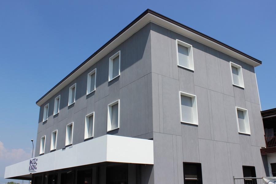 Hotel Daina, ristrutturazione con EQUITONE [Tectiva]